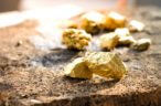 Newmont to scoop up gold miner for $402m