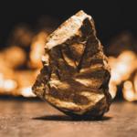 Australian gold output declines