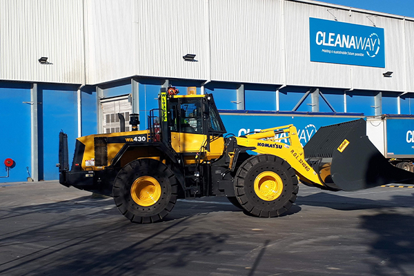 Cleanaway operates Komatsu waste spec loaders in critical high-volume application